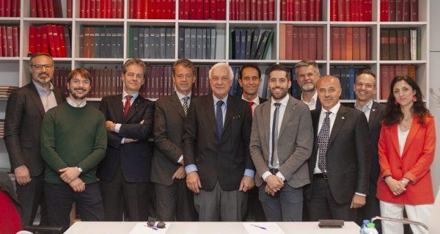 foto di gruppo alla Tavola Rotonda Accessoristi Master Italy